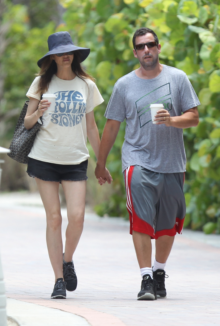 Adam Sandler and wife strolling in Miami Beach | FotoNews ...