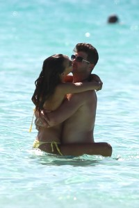 Shirtless Robin Thicke hits a Bahamas beach with model girlfriend April Love Geary